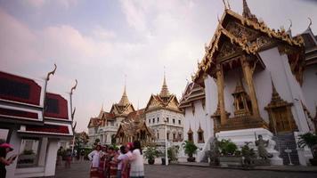 Thailand berühmten Bangkok Wat Phra Kaew Tempel Touristen Hauptort 4k Zeitraffer