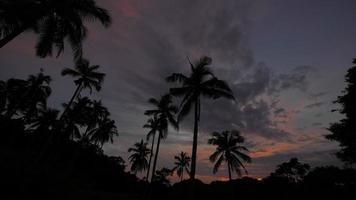 lapso de tiempo del atardecer - en la isla de koh tao