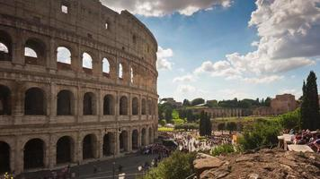 Italië zonnige dag rome beroemde colosseum vierkante front panorama 4 k time-lapse video