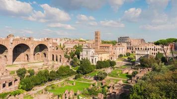 Italië rome stad zomerdag toeristische beroemde Romeinse forum panorama 4 k time-lapse video