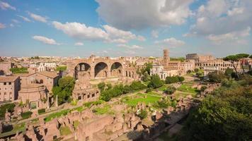 Italië zomerdag rome stad toeristische beroemde Romeinse forum panorama 4 k time-lapse video