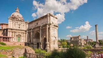 Italië zomerdag Romeinse forum boog van septimius severus panorama 4 k time-lapse rome video