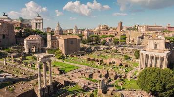 Italië rome stad beroemdste zomerdag romeinse forum panorama 4 k time-lapse video