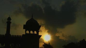 scatto bloccato della moschea al tramonto, jama masjid, delhi, india