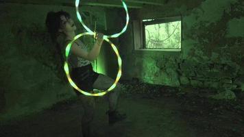 dança hula freak para o halloween video