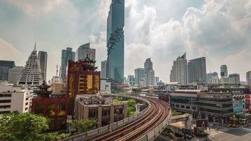 Thailandia soleggiato bangkok famoso edificio linea della metropolitana panorama 4k lasso di tempo