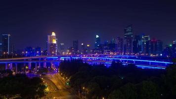 Shanghai autostrada città traffico notturno video