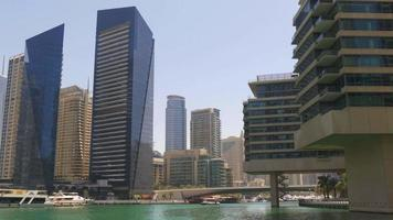 dubai marina day light appartamento privato vista golfo 4k emirati arabi uniti