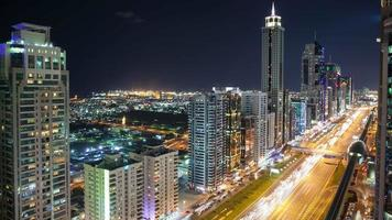 4k Zeitraffer auf der High Light Street in Dubai City video