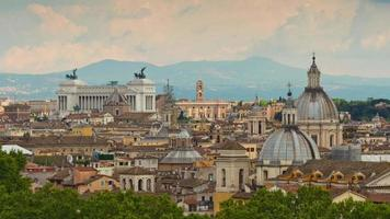 Italia estate giorno Roma famoso paesaggio urbano altare della patria panorama sul tetto 4k lasso di tempo video