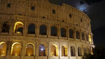 Colosseum 's nachts in Rome Italië video