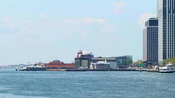 Fähranleger in der Innenstadt von Manhattan 4 km Zeitraffer von New York video