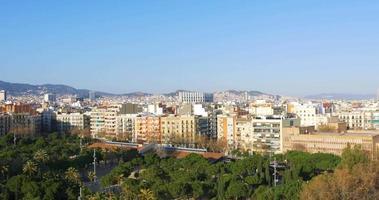 dia ensolarado panorama do telhado de barcelona 4k espanha