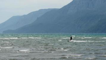 Akyaka, Truthahn, Kitesurfer Kite Surfen auf See video