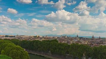 Italia giornata di sole Castello del panorama di paesaggio urbano di Roma Angelo Santo 4K lasso di tempo