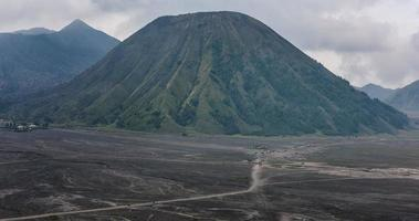 Mount Brom Vulkane in Brom Tengger Semeru Nationalpark, Ost-Java, Indonesien video