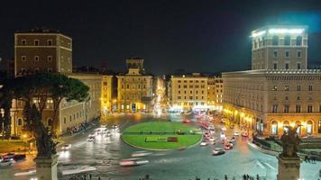 italia notte illuminazione roma città piazza piazza venezia traffico cerchio panorama 4k lasso di tempo