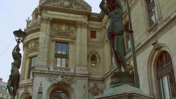 casal de damas da ópera de paris