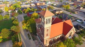 impressionante igreja aérea gêmea
