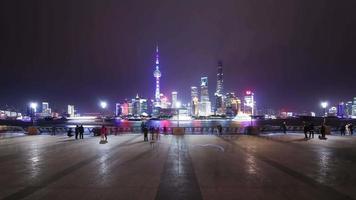 t / l ws la shanghai bund och lujiazui skyline på natten