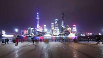 t / l ws la shanghai bund y lujiazui skyline en la noche video
