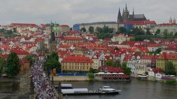 Charles Bridge e vista sul castello di Praga