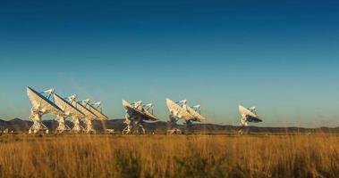 timelapse di matrice satellitare al tramonto video