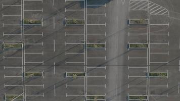 Antenna 4K: inquadratura statica di parcheggio sbagliato