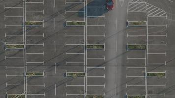 Antena 4k: foto estática de estacionamento adequado video