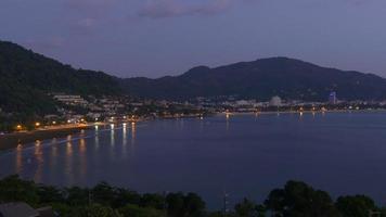 Thailand Sommernacht Phuket berühmten Patong Strand Panorama 4k video