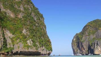 Tailândia dia de verão famoso koh phi phi don, praia, ilhas, baía, panorama, 4k video