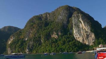 Thailandia estate luce famosa giro in barca vista turistica panorama 4K video
