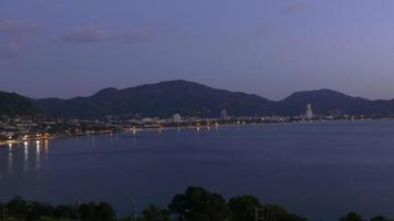 Thailandia twilight light patong beach illuminazione panorama 4k phuket video