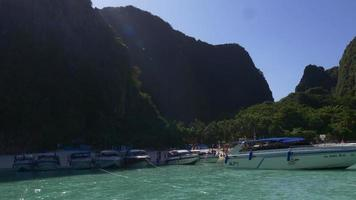 Thailand Koh Phi Phi Don Strand Touristenboot Park Panorama 4k video