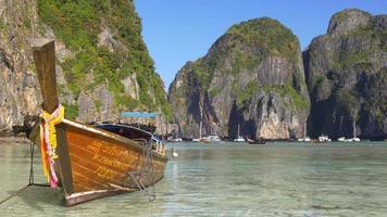 turista mais popular da tailândia koh phi phi beach ilhas panorama 4k video