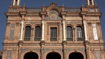 janelas e colunas da arquitetura europeia