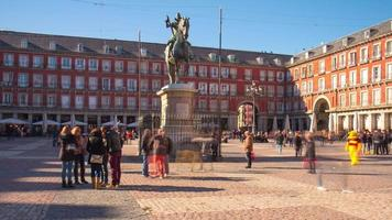 madrid plaza mayor turistico vicino al monumento 4k time lapse spagna video