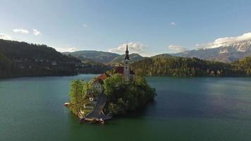 chiesa nel bellissimo lago di bled video