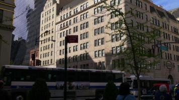 Estados Unidos día luz horario de verano nueva york manhattan street view 4k video