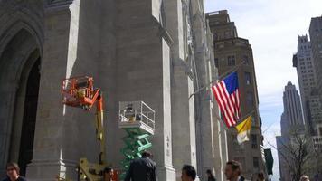 USA saint patrick cattedrale costruzione lavoro giorno luce new york 4k video