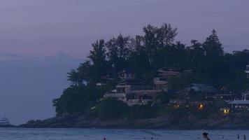 Thailandia phuket isola kata karon spiaggia casa privata tramonto panorama 4K video