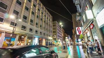 Italia noche iluminación Milán ciudad torino calle caminando panorama 4k lapso de tiempo