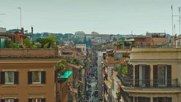 Italia Roma città famosa Piazza di Spagna sul tetto strada paesaggio urbano giorno luce panorama 4K lasso di tempo