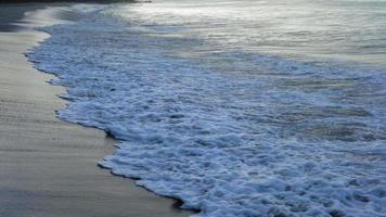 vista panoramica della spiaggia esotica, Trinidad, Trinidad e Tobago video