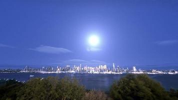New York City und Mond Zeitraffer 4k