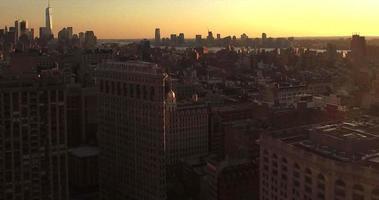 foto do pôr do sol de nj vendo a liberdade uma torre video