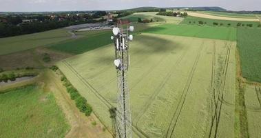 brede vlucht rond telecommunicatiemast