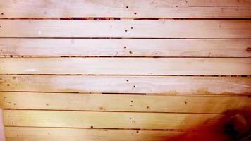 Imágenes aceleradas de la tabla de madera preparada para pintar.