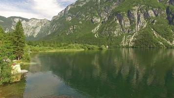 hermoso lago bohinj video