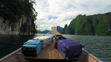 khao sok boat speedup da vista frontal do passeio de barco pelas ilhas video